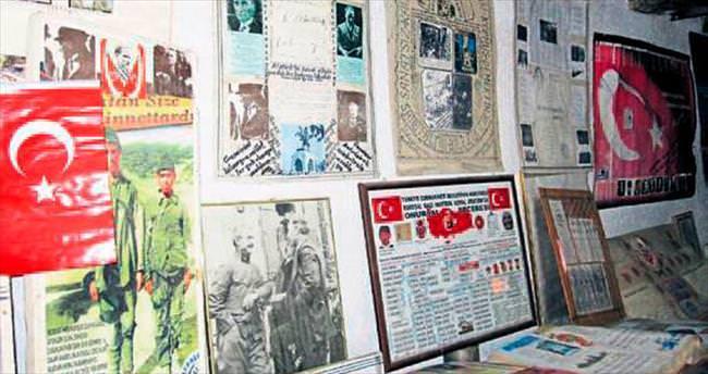 Emekli öğretmen evini kültüre adadı