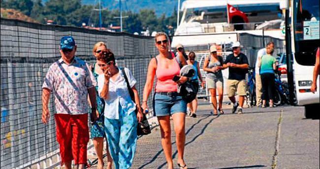 Fethiye'ye denizden turist yağdı