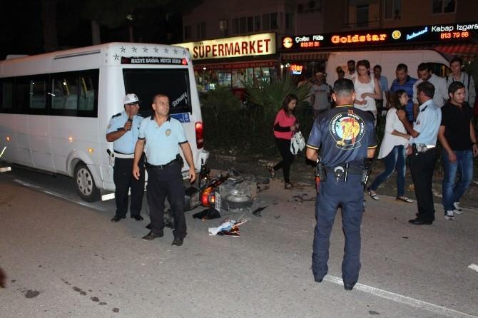 Didim Ve Efeler'de Trafik Kazası 3 Yaralı