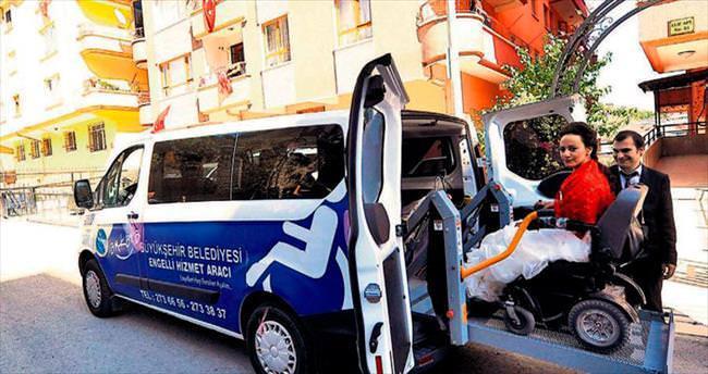 Engelli aracı gelin arabasına çevrildi