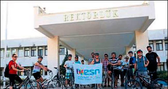 Üniversitede yeni dönem bisiklet turuyla başladı