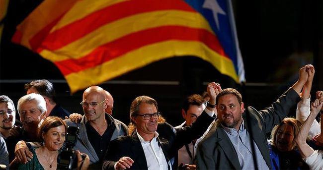 İspanya'da bağımsız Katalonya diyen parti liderine soruşturma