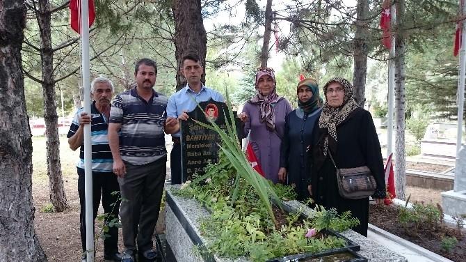Şehit Astsubay Bahtiyar Ceylan Mezar Başında Anıldı