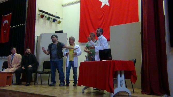 İzmit Belediyesi'nden Cezaevinde Tiyatro Gösterisi