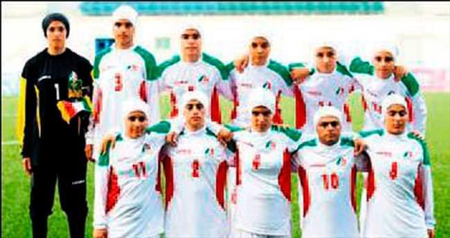 Kadın futbol takımının 8 oyuncusu erkekmiş!