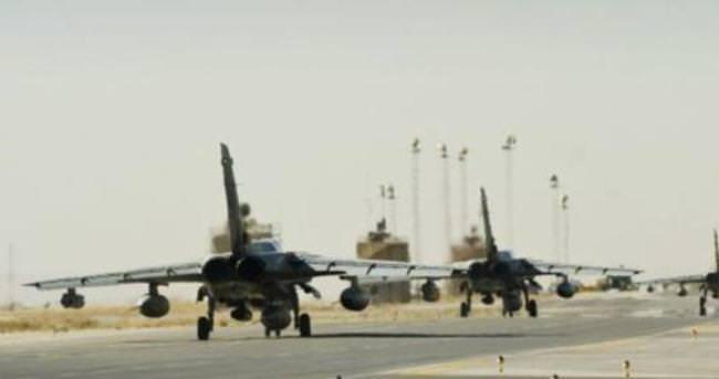 Afganistan'da ABD uçağı düştü: 11 ölü