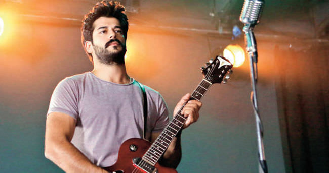 Gitarist Burak Özçivit