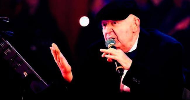 Kayahan'ın son konserinde taktığı şapkası satılıyor