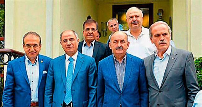 AK Parti'nin abileri seçim arenasına çıktı