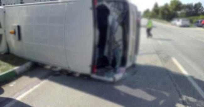 Yolcu otobüsüyle otomobil çarpıştı: 22 yaralı
