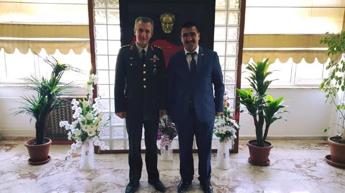 İl Genel Meclisi Başkanı Peşin'den İl Jandarma Alay Komutanına Ziyaret
