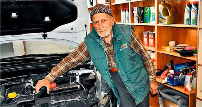 Başkentin 92'lik oto tamircisi: Mehmet dede
