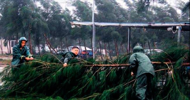 'Mujigae' tayfunu Çin'i vurdu: 7 ölü
