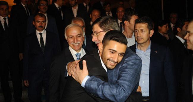 Davutoğlu'nun Samsun mitingi sonrası güldüren diyalog