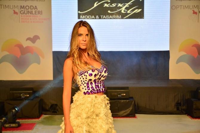 Manken Simge Tertemiz, Adana'da Pamuktan Elbise Giydi