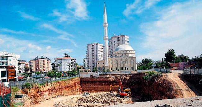 Cami yıkıldı yıkılacak