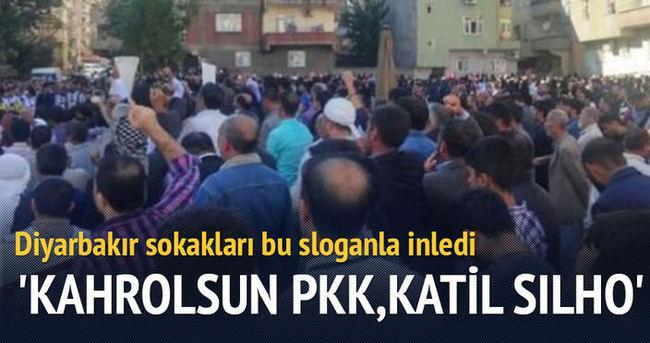 Diyarbakır sokaklarında 'Kahrolsun PKK' sloganları