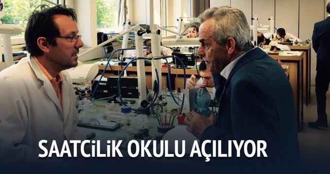 Bursa'da saatcilik okulu açılıyor