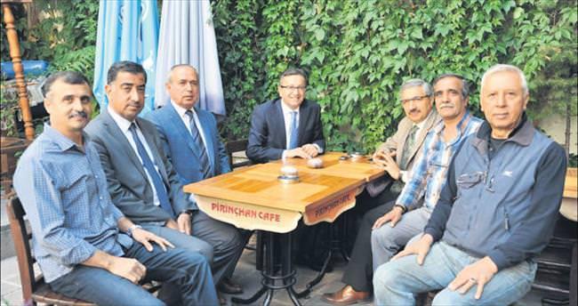 Başkan Tiryaki, Kale esnafını ziyaret etti