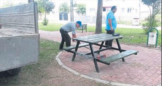 Ceyhan'da parklarda bakım zamanı başladı