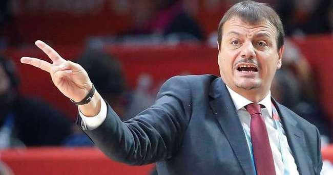 Ergin Ataman bir yıl daha milli takımın başında