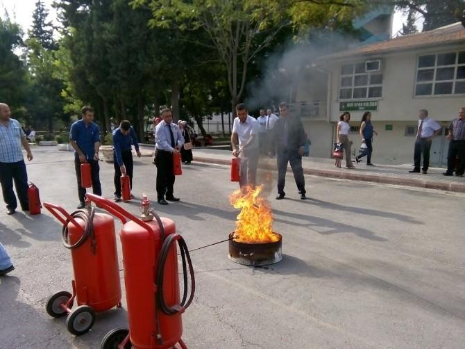 KSÜ'de Yangın Tahliye Tatbikatı