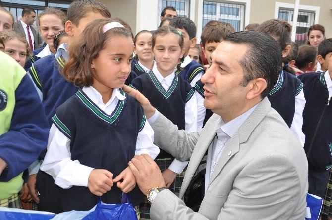 Kızılay'dan Minik Eller Üşümesin Projesi