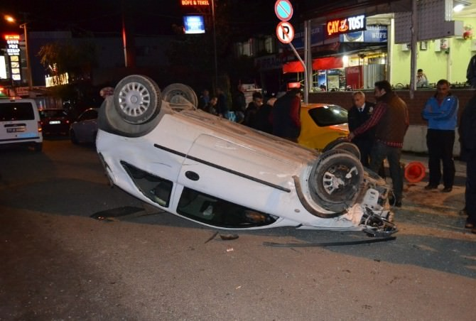 Altınova'da Trafik Kazası: Bir Yaralı