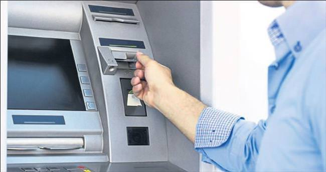 Çalıştığı bankanın ATM'lerini soydu