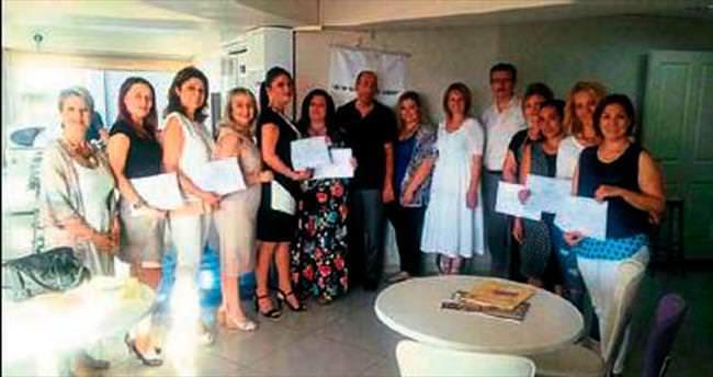 İzmirli iş kadınları sertifikalarını aldı