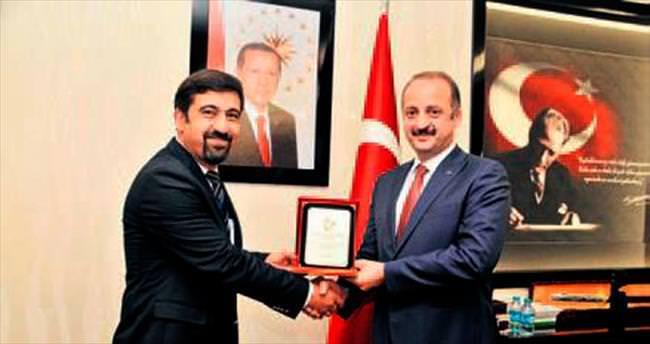 Başkan Akgül'e geri dönüşüm teşekkürü