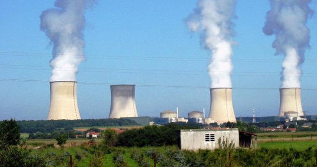 İran nükleer anlaşmayı onayladı