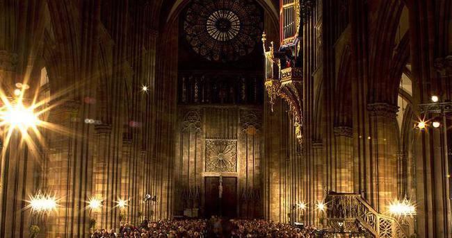 Strazburg Katedrali 1000. yılını kutladı