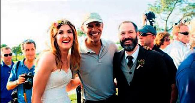 Golf oynarken düğüne rastladı