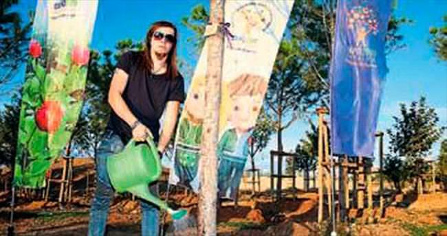 İllüzyonist Aref de EXPO'ya ağaç dikti