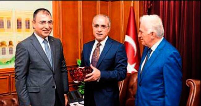 Kültür Bakanı Topçu'dan İzmir çıkarması