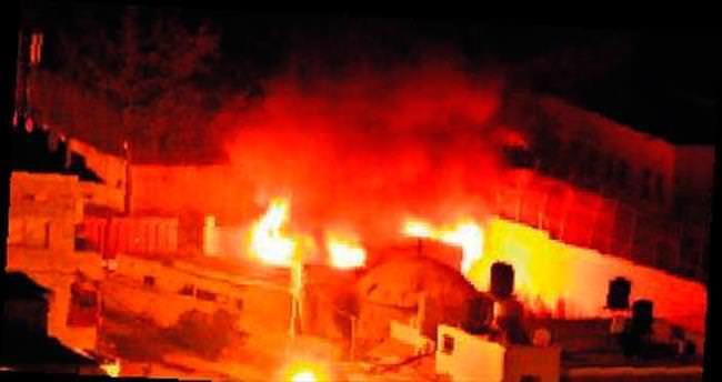 Tarihi türbeye molotoflu saldırı