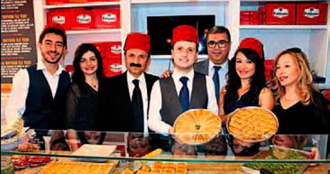 Fıstıkzade artık İzmir'de de var