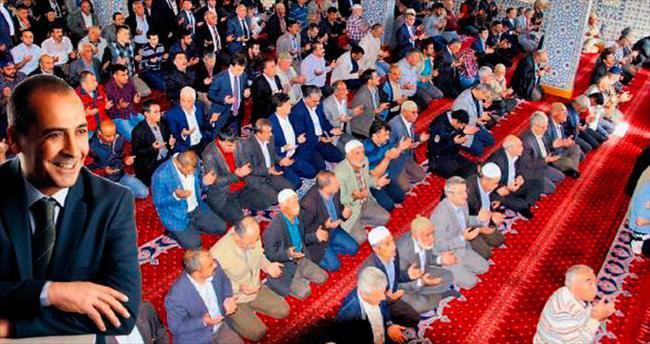 Komadaki Başkan için toplu dua edildi