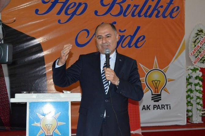 Niğde'de AK Parti 3 Bin Kişi İle Moral Toplantısı Yaptı