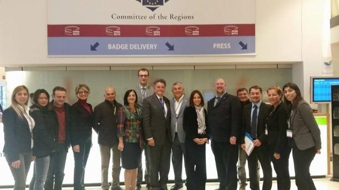 Büyükşehir Belediyesi'nin Çevre Dostu Ulaşım Politikaları Brüksel'de Tanıtıldı
