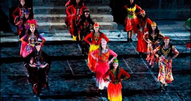 Efsane Aspendos'ta sahneye koyuldu