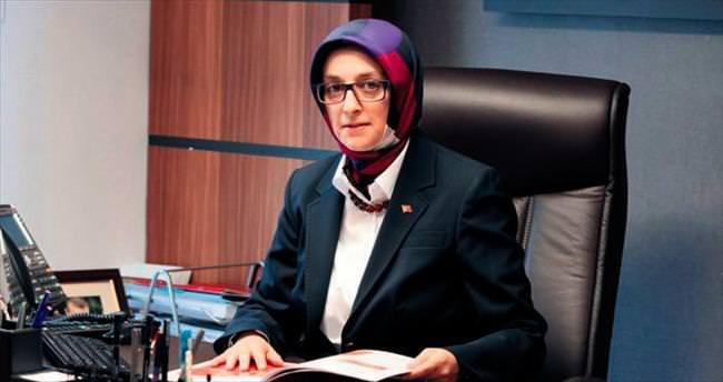 AK Partili kadınlar siyasetin gülen yüzü