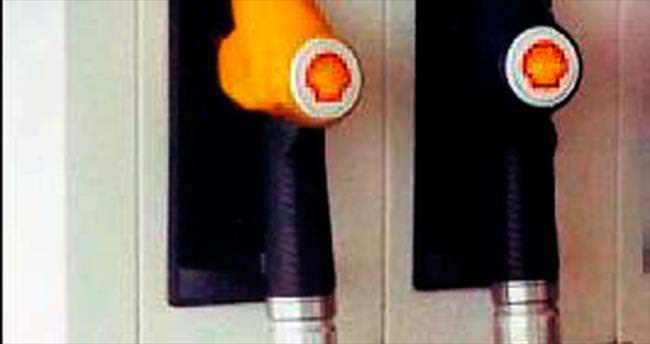 Benzin pompasında dev yılan paniği