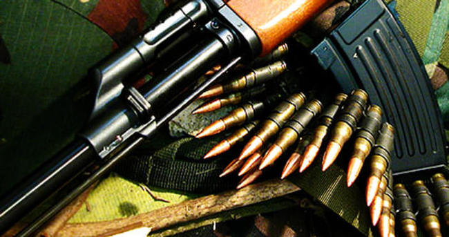 Güroymak'ta araca silahlı saldırı: 3 yaralı