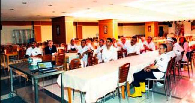 Mutfak personeline hijyen eğitimi verildi