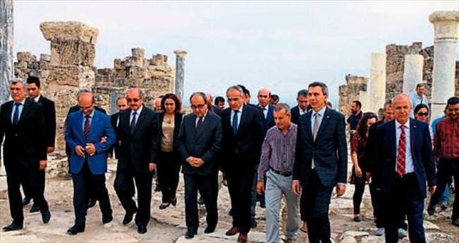 Kültür Bakanı Topçu'dan Laodikya övgüsü
