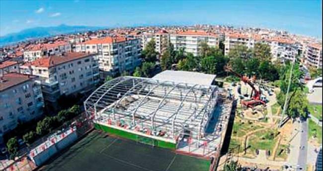 Karşıyaka'ya spor salonu yaptırılıyor