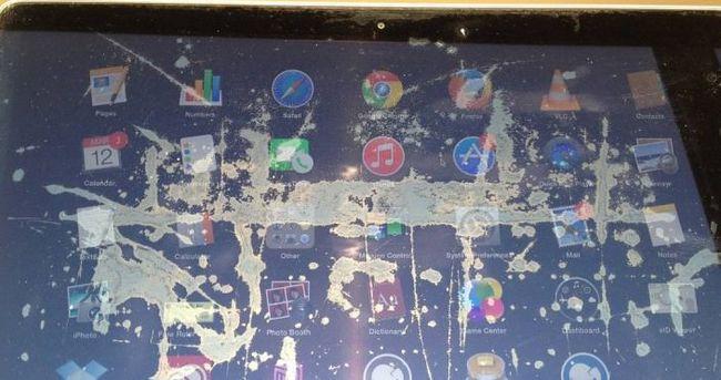 Apple o ekranları ücretsiz değiştirecek