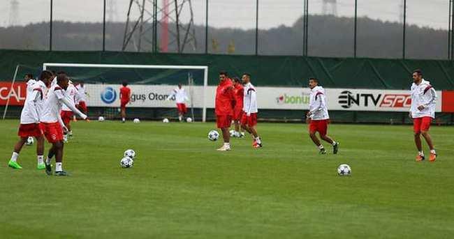 Benfica, Kasımpaşa'nın tesislerinde çalıştı